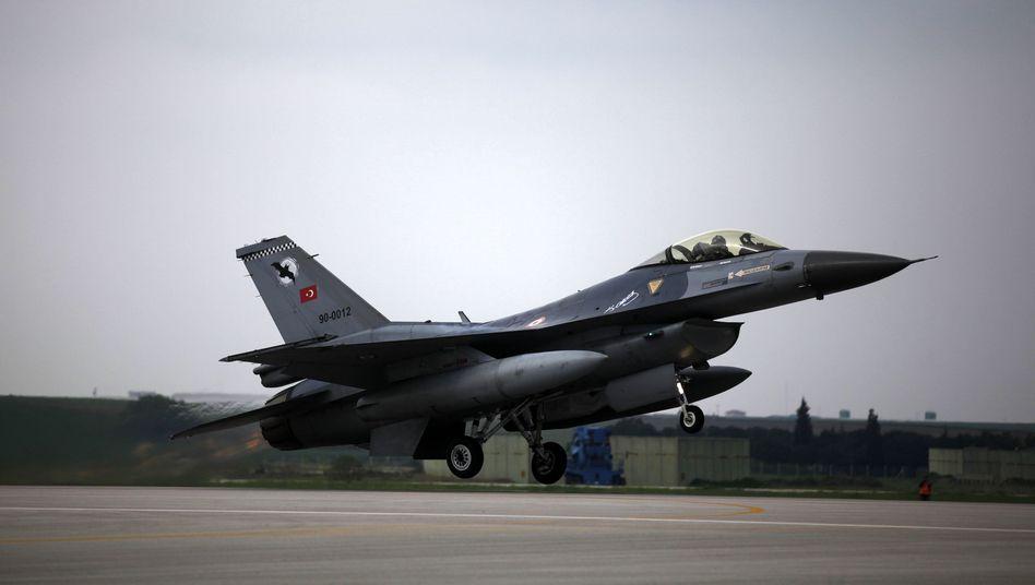 Krieg gegen den IS: Türkisches Parlament stimmt für Syrien-Einsatz