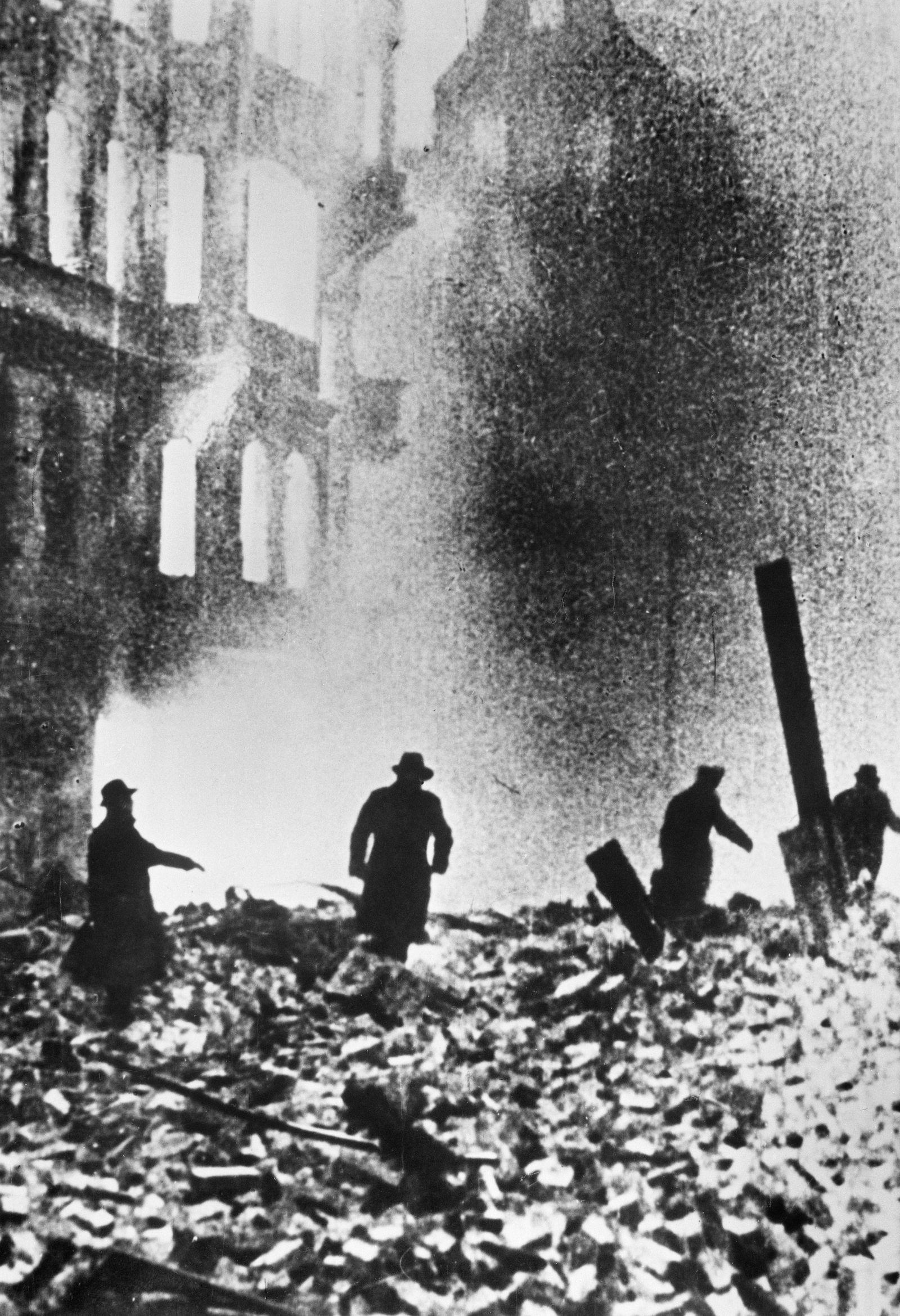 Flammeninferno in der Dresdener Innenstadt