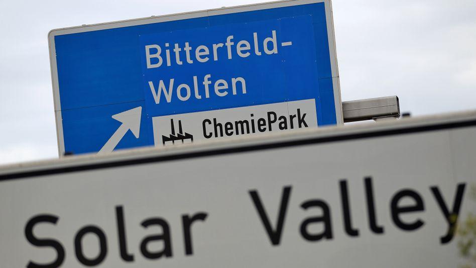 Autobahn-Wegweiser nach Bitterfeld-Wolfen: Bau soll sich um zwei Jahre verzögern