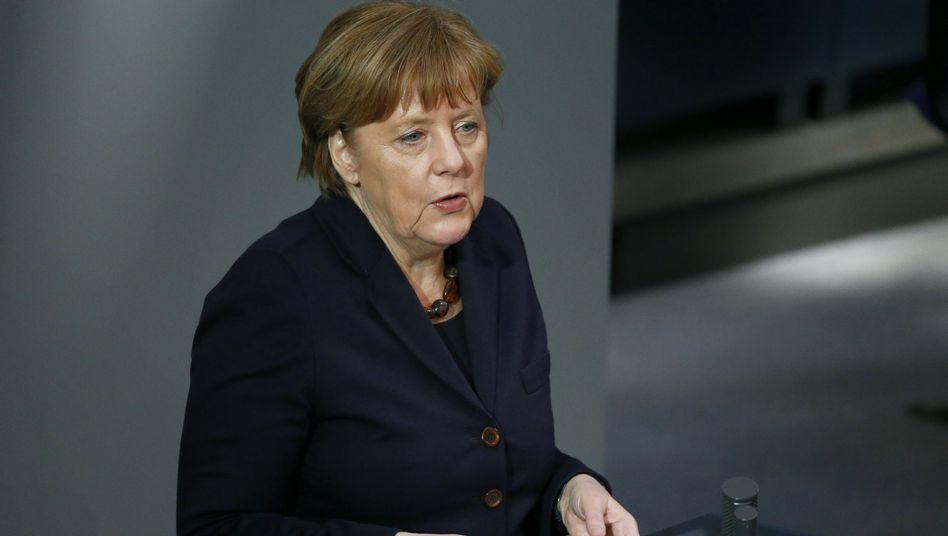 Merkels Regierungserklärung: Merkel will Zahl der Flüchtlinge spürbar reduzieren