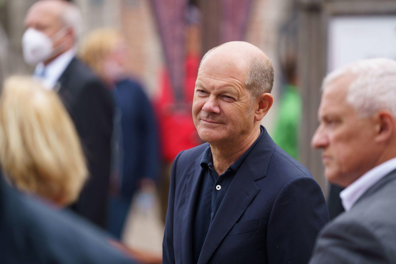 Wahlkampfveranstaltung der SPD zur Bundestagswahl 2021 - Olaf Scholz auf Wahlkampftour durch Schleswig-Holstein - Besuc