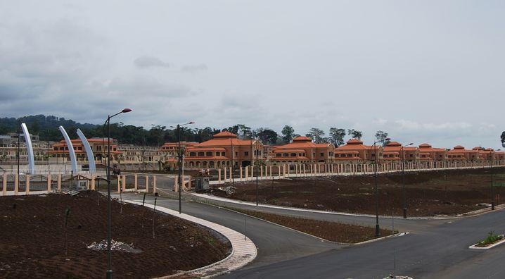 Blitz-Neubau in Äquatorialguinea: Türkische Arbeiter schufteten Tag und Nacht