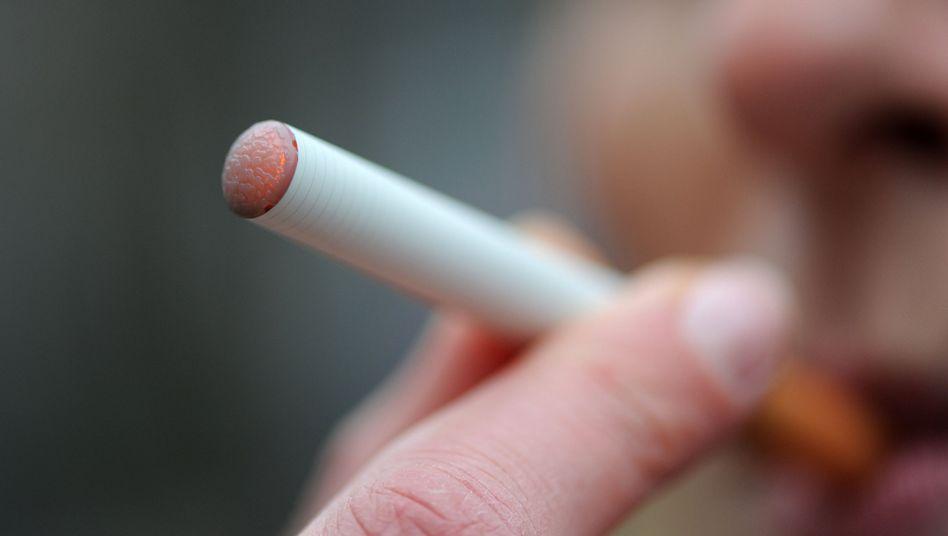 Elektronische Zigarette: Aus der Apotheke oder vom Kiosk?