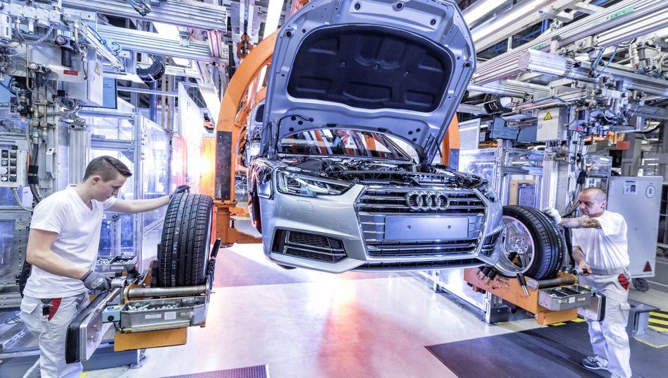Produktion des Audi A4: Eine Rosskur soll Audi vor dem Absturz bewahren