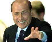 Silvio Berlusconi räumt unliebsame Gegner aus dem Weg