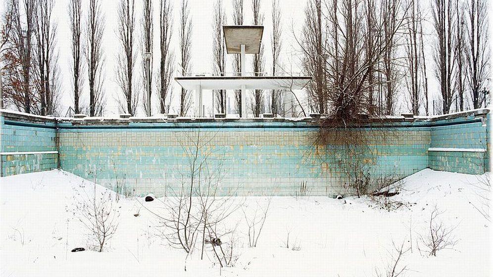 Photo Gallery: Childhood Memories Documented in Ruins