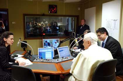 "Papst Benedikt XVI. bei Radio Vatikan: ""Computertechnologie ist die Zukunft"""