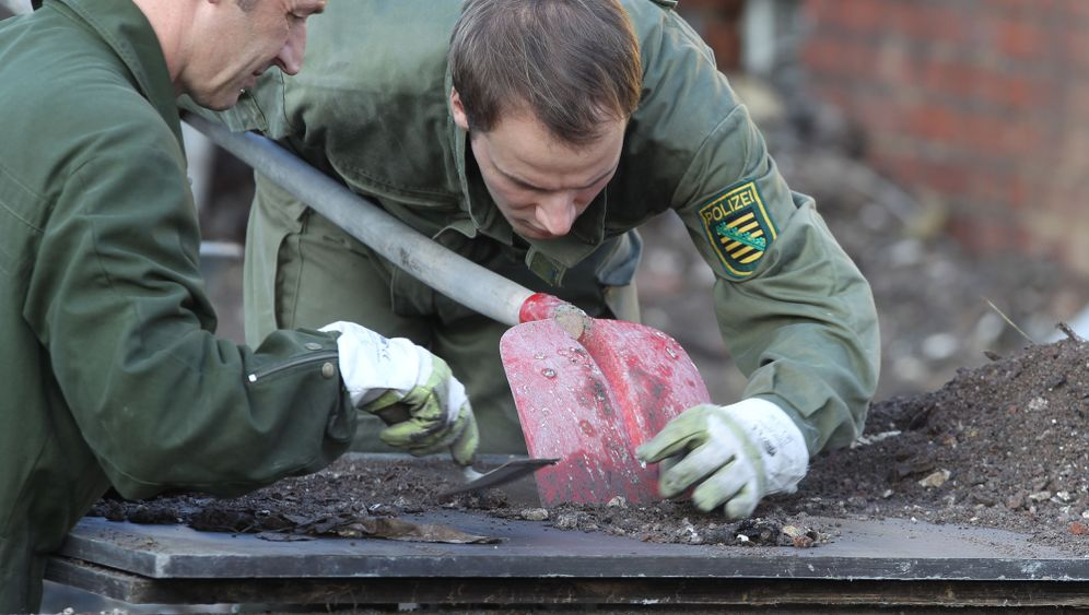 Photo Gallery: Investigators Dig for Clues in Zwickau