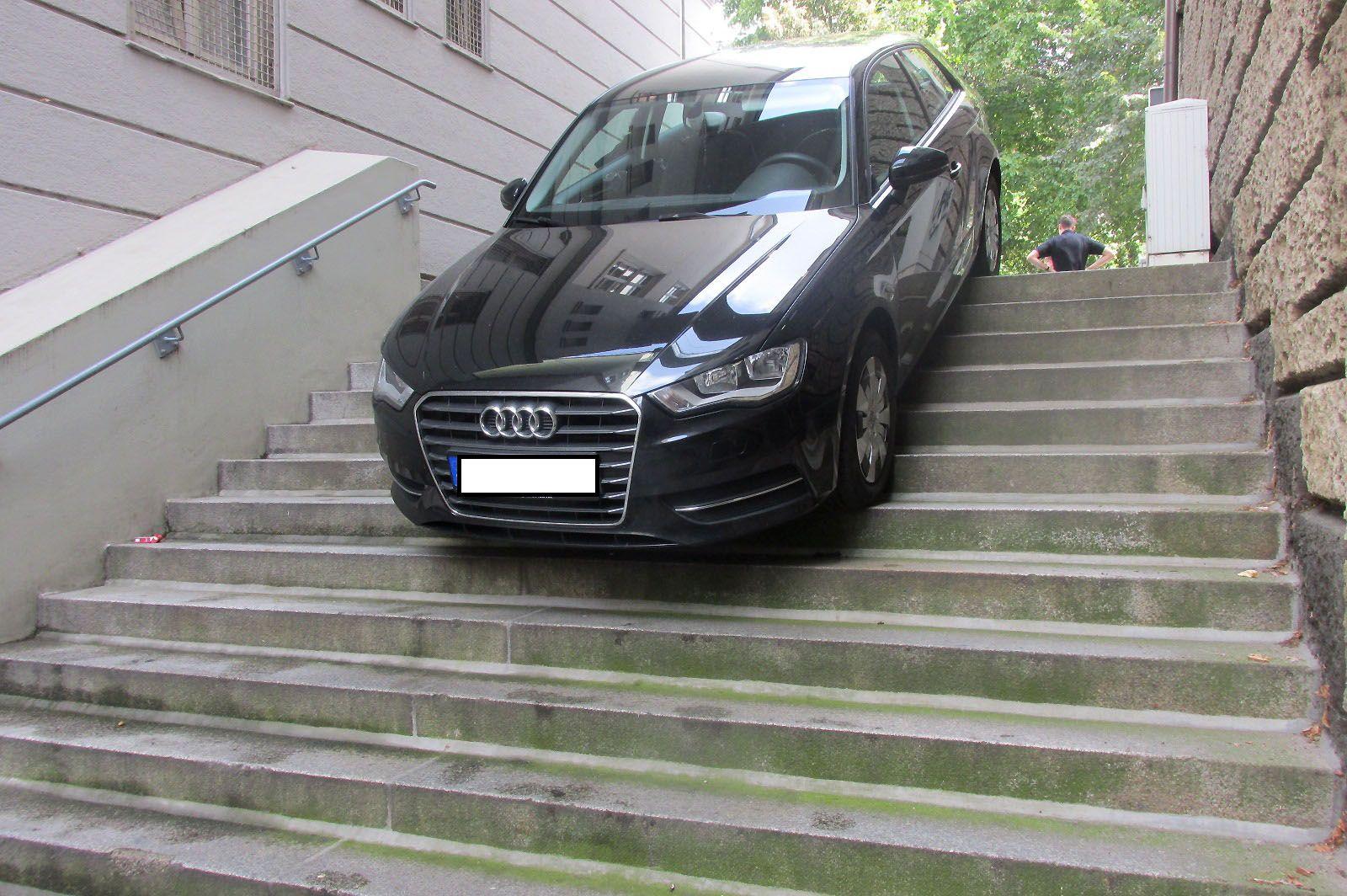 EINMALIGE VERWENDUNG Navi-Mahleur/ Bremen/ Audi