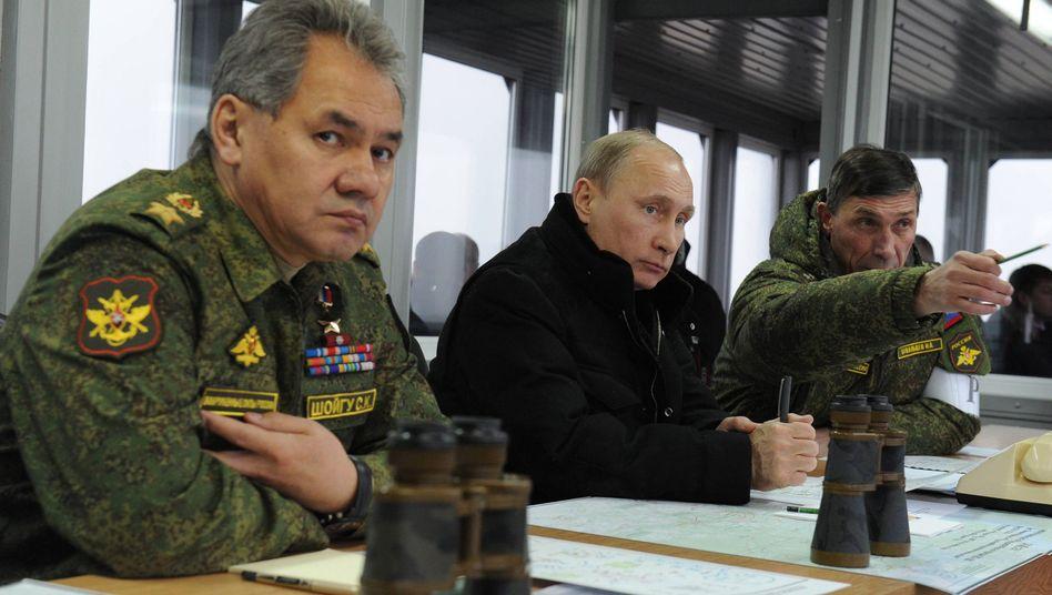 Präsident Putin (auf Gefechtsstand in St. Petersburg): Optionen des Westens sind begrenzt