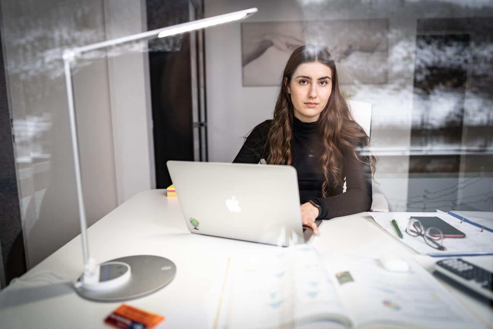 Julia schäfer   Schülerin   Online-Unterricht   26.01.2021
