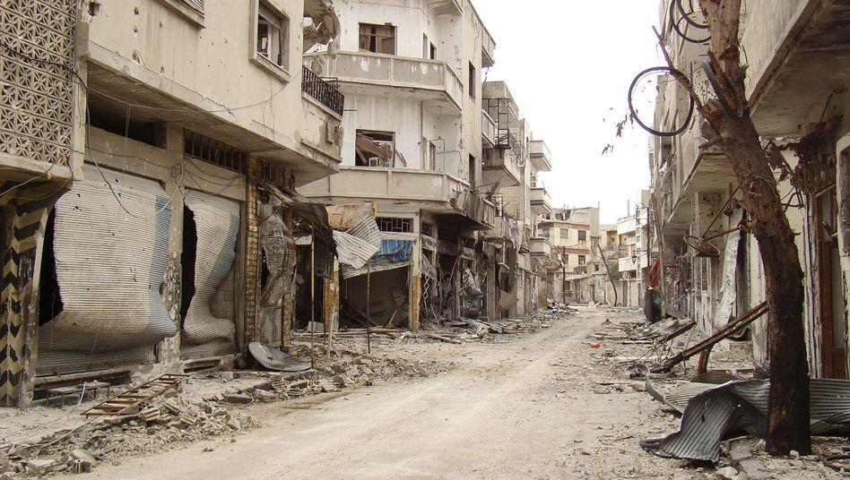 """Zerstörtes Stadtviertel in Homs: """"Wir haben uns an Assads Lügen gewöhnt."""""""