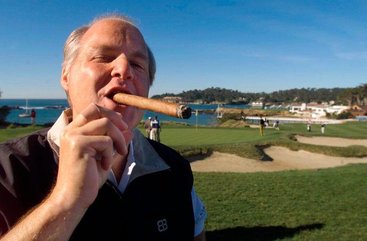 Zigarren und Zynismus: Rush Limbaugh beim Golfen (2001)