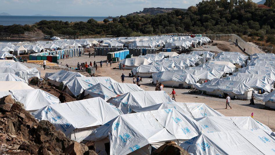Flüchtlingslager Kara Tepe im Osten der Insel Lesbos