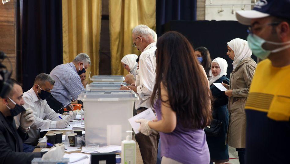 Stimmabgabe im syrischen Damaskus: Das Land befindet sich mitten in einer Wirtschaftskrise