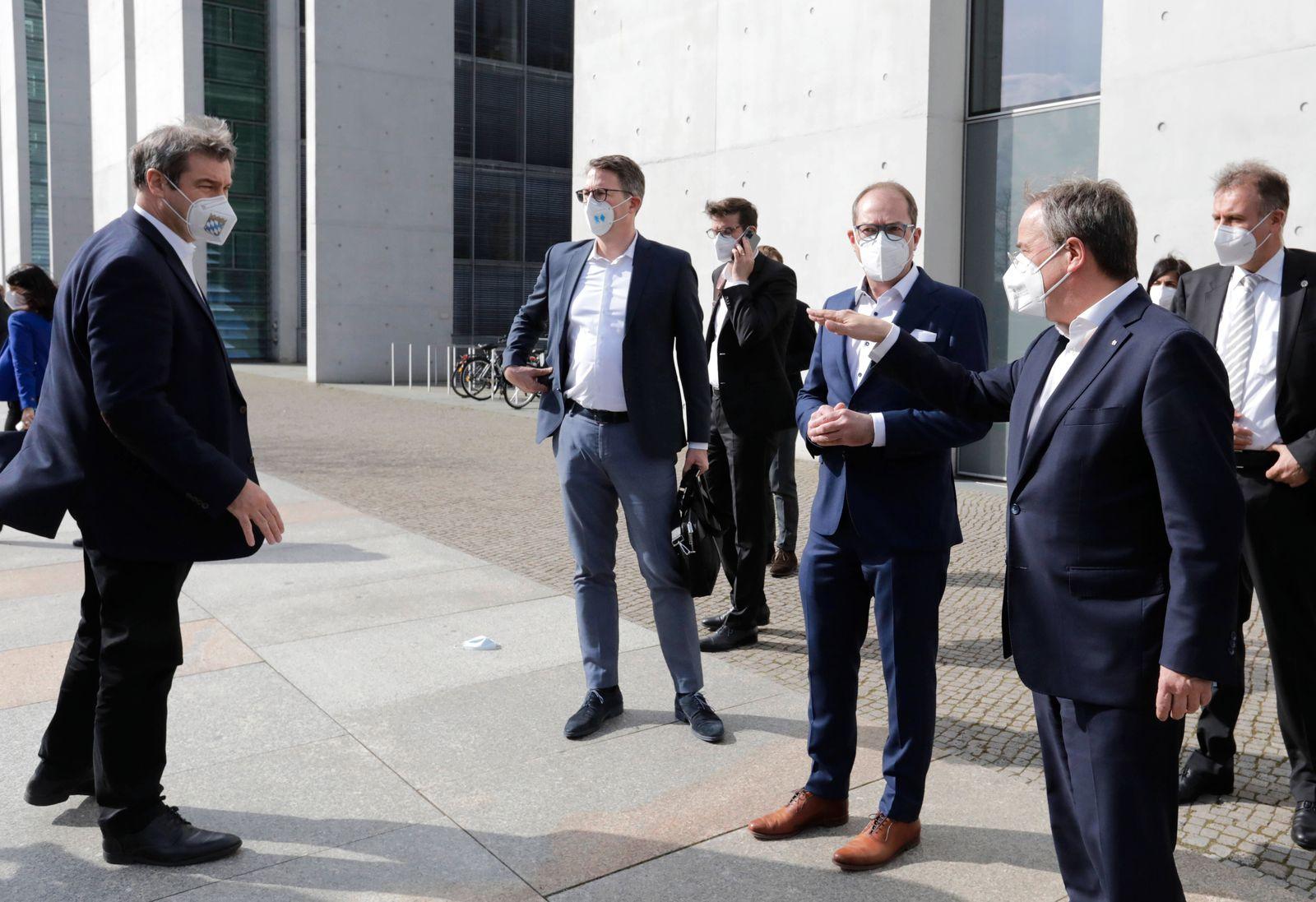 Markus Soeder, Ministerpraesident Bayern, Markus Blume, Generalsekretaer der CSU, Alexander Dobrindt, Vorsitzender der