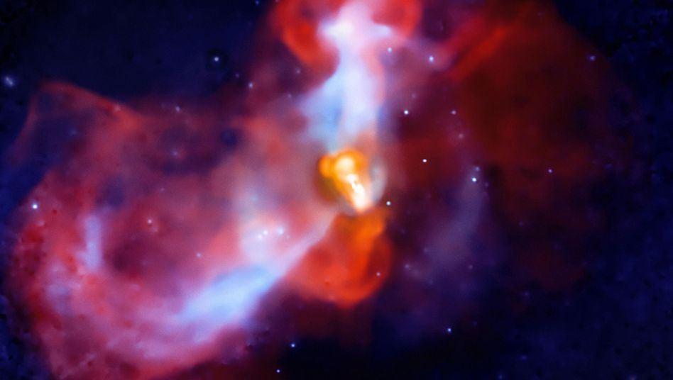 Eruption in der Galaxie M87 (August 2010): Schwerstes Schwarzes Loch im Zentrum