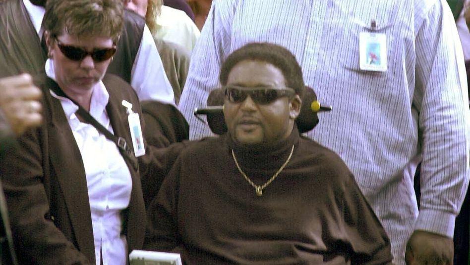 NoëlMartin auf einer Demo im Jahr 2001