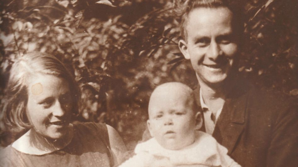 Aus dem Familienalbum: Theodor Hespers mit seiner Frau Katharina und Sohn Dietrich im Frühsommer 1931