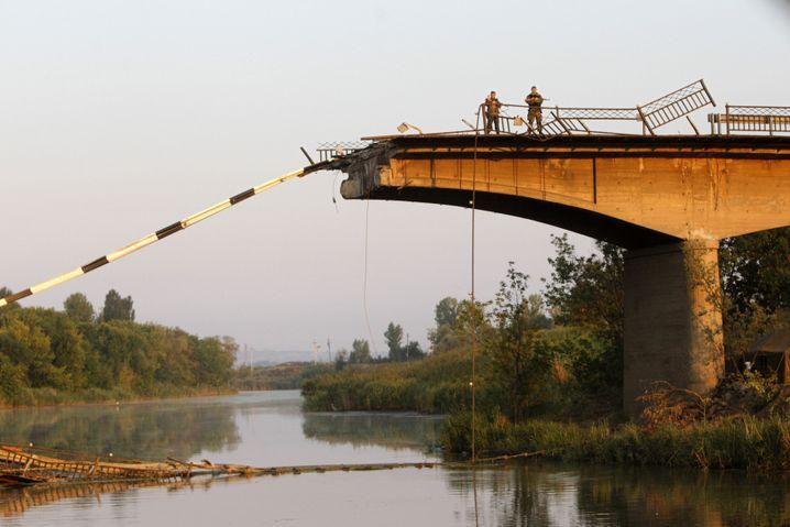 Zerstörte Brücke nahe Donezk: Schäden an der Infrastruktur