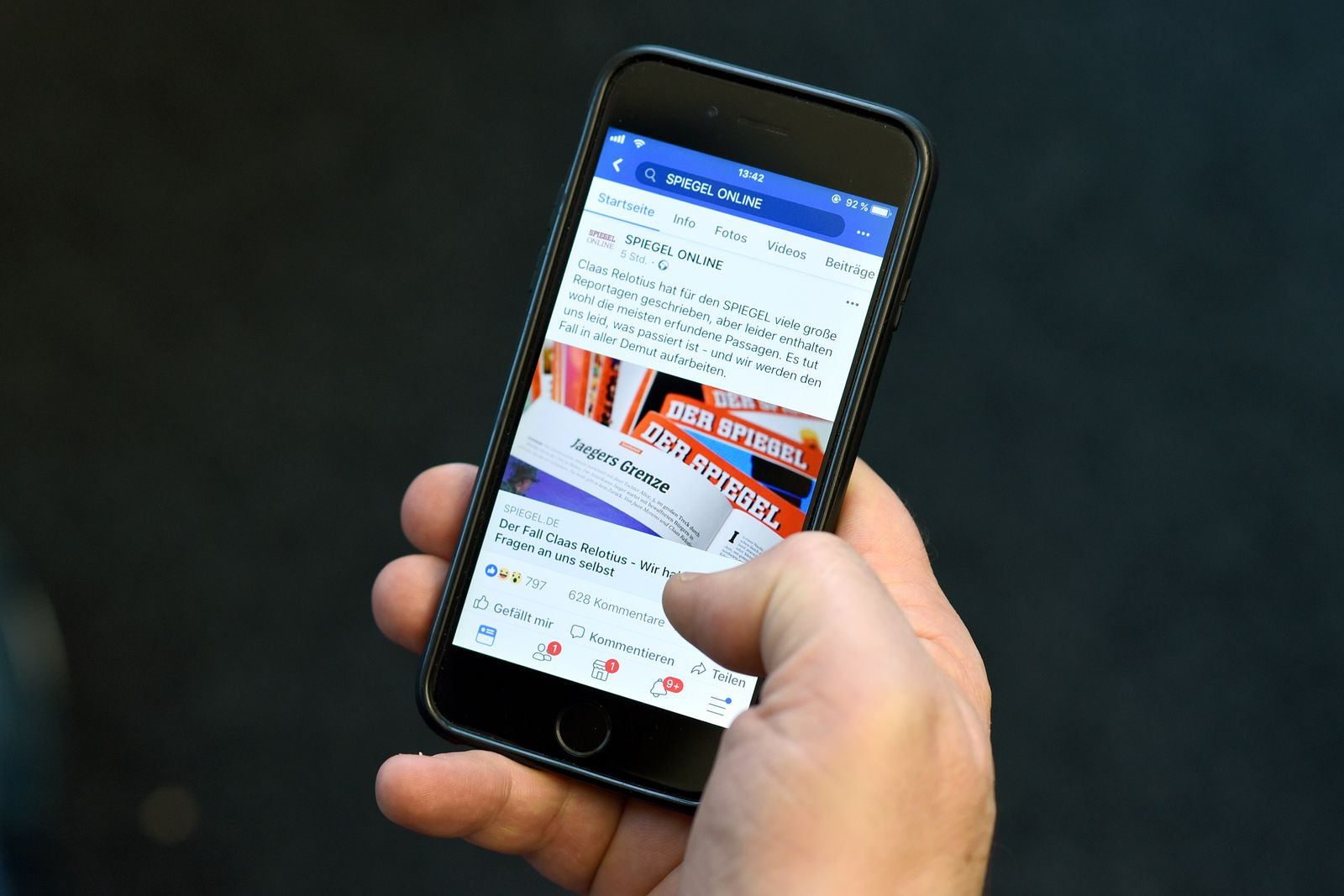 EINMALIGE VERWENDUNG Claas Relotius/ Social Media