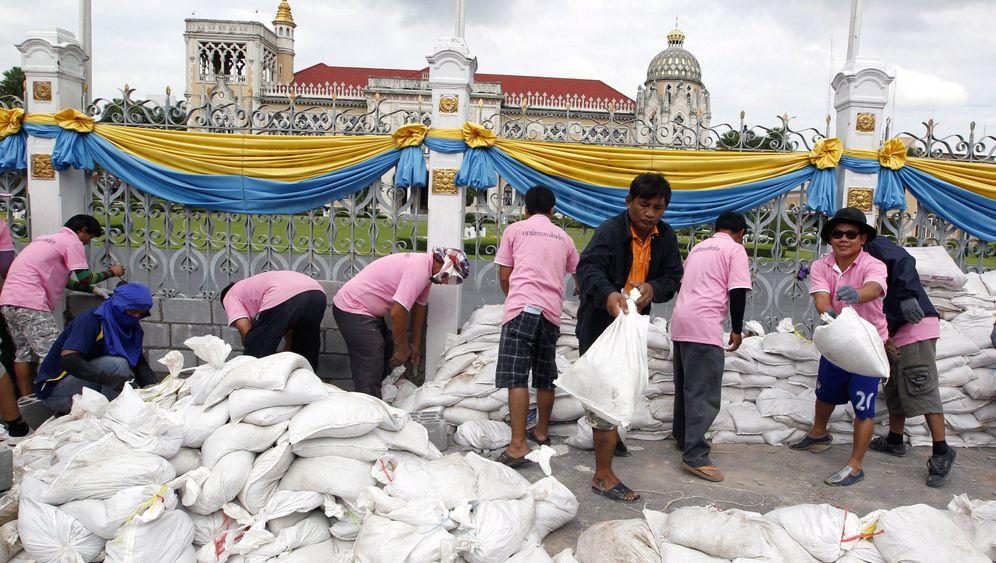 Überflutungen in Bangkok: Königspalast unter Wasser