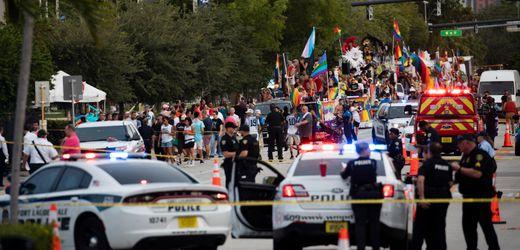 USA: Kleintransporter fährt in Teilnehmer von LGBT-Parade in Florida – ein Toter