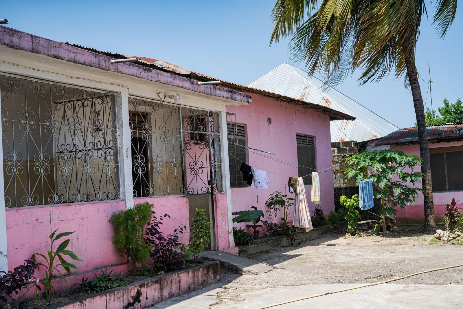 soberhouse9 Außenansicht eines Sober Houses auf Sansibar-1