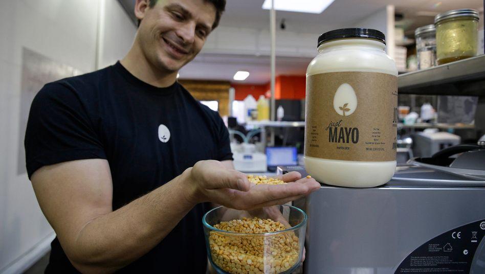 Hampton-Creek-Chef Josh Tetrick wirbt irreführend mit Mayo, findet die US-Gesundheitsbehörde FDA.