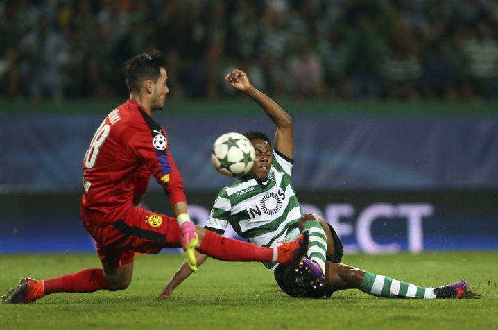 Roman Bürki, hier in Aktion gegen Sportings Elias
