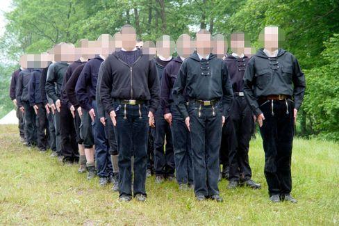 """Telnehmer eines HDJ-Jugendcamps: Mit nationalsozialistischem Gedankengut """"regelrecht geschult"""""""