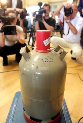 Gas cylinders comparable to this one were used to build the bombs found on two German regional trains on July 31, 2006.
