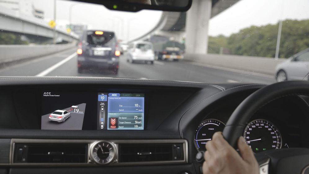 Autonomes Fahren bei Lexus: Wenn Autos miteinander reden