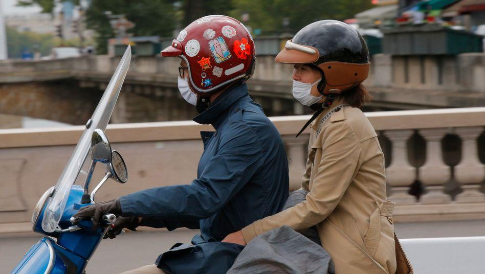 Straßenszene in Paris: Maskenpflicht im gesamten Stadtgebiet