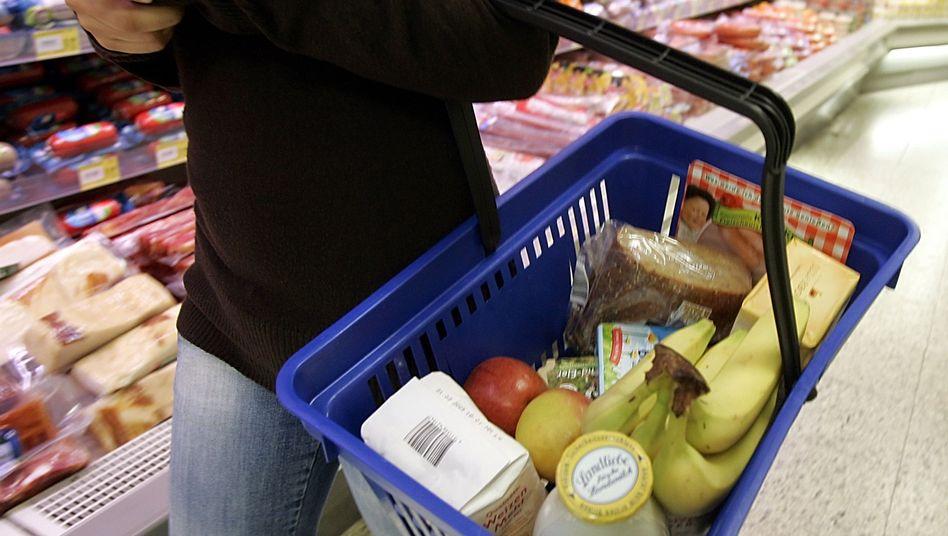 Supermarkteinkauf: Sind ungesunde Produkte teurer, werden sie weniger gekauft