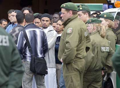 Bochum: Polizei überprüft Hunderte Muslime nach dem Freitagsgebet