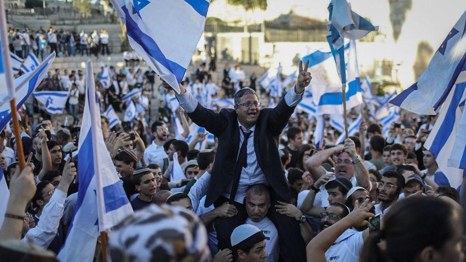 Umstrittener Flaggenmarsch: Tausende Nationalisten zogen durch Israel