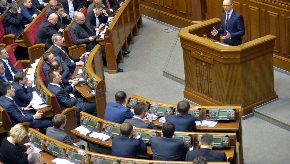 Neuer Regierungschef Jazenjuk: Das Parlament stimmte mehrheitlich für ihn