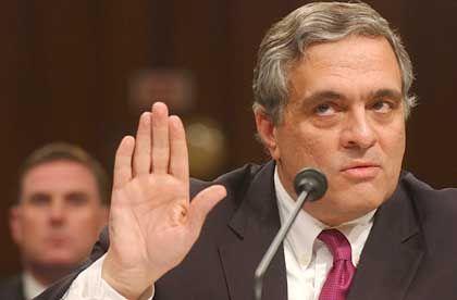 CIA-Chef George Tenet: Wassertonnen für Verdächtige