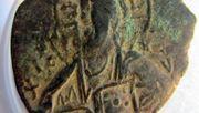 Kleinkind findet tausend Jahre alte Münze