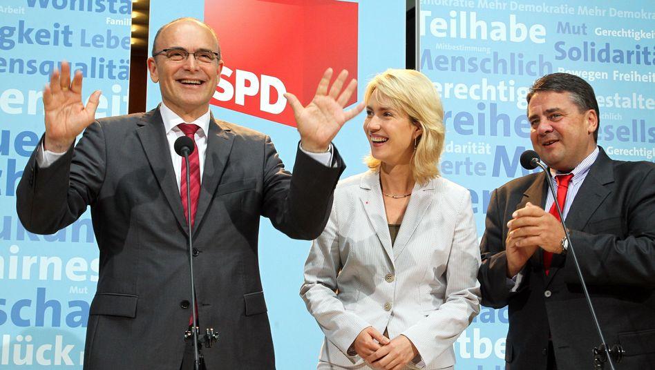 Erwin Sellering (li.) mit Manuela Schwesig und Sigmar Gabriel: komfortable Situation