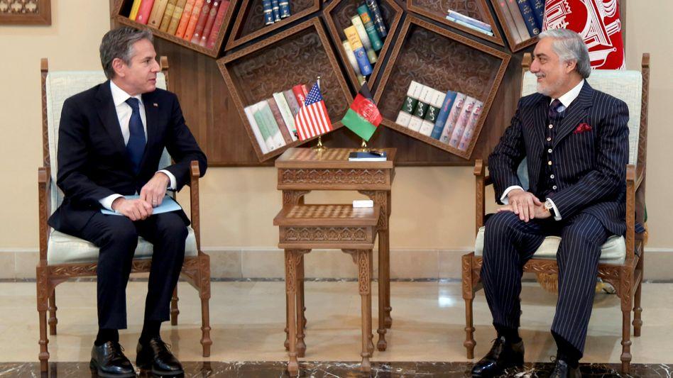 Antony Blinken im Gespräch mit dem Vorsitzenden des Hohen Rats für Nationale Aussöhnung, Abdullah Abdullah