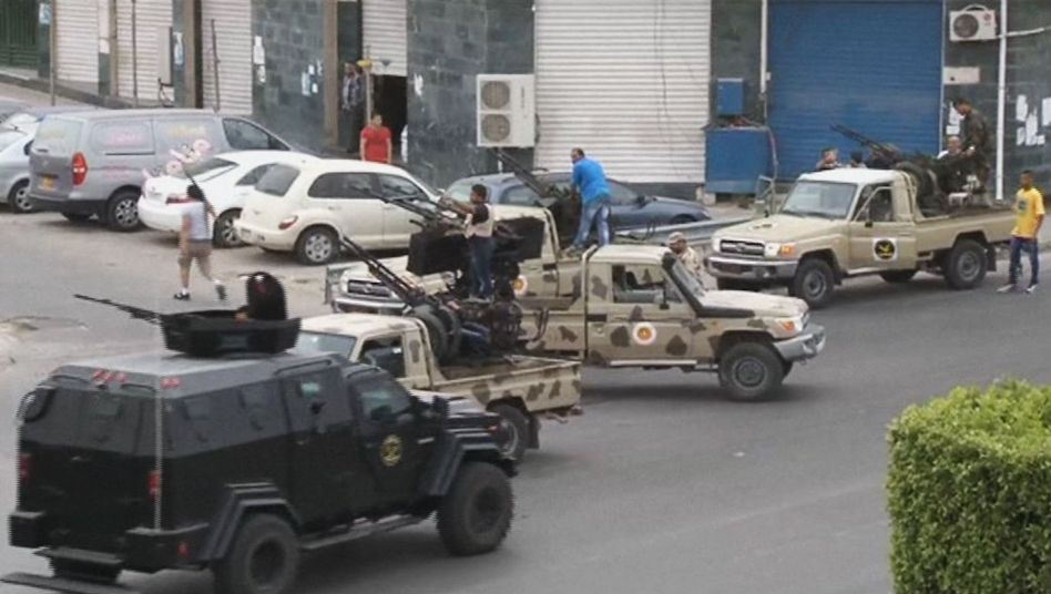 Chaos in Libyen: Abtrünniger General lässt Parlament stürmen
