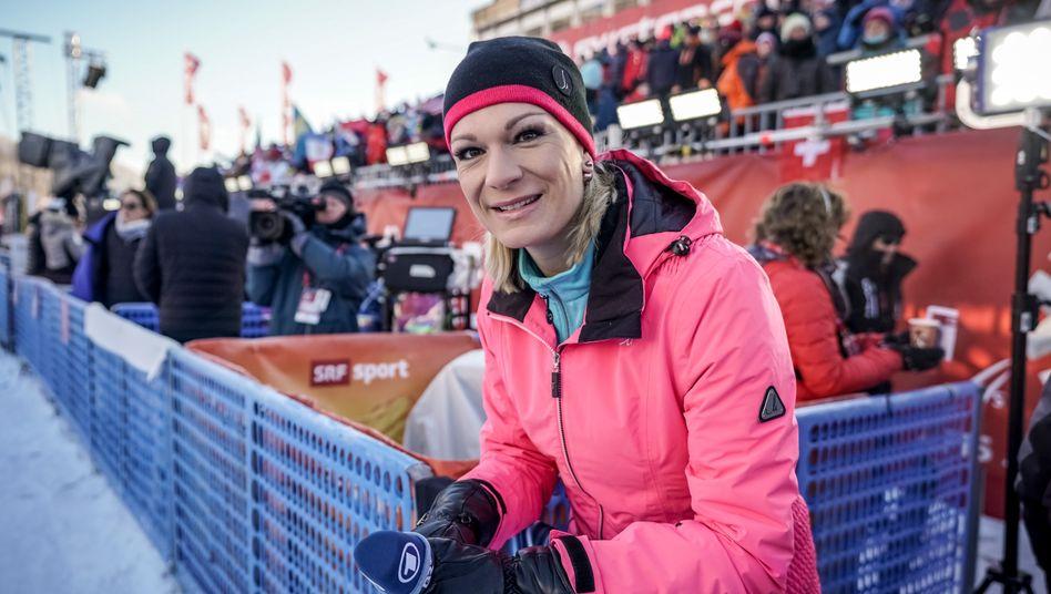 Maria Höfl-Riesch 2019 als ARD-Expertin an der Skipiste