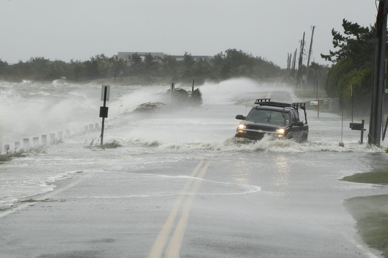 Hurrikan Sandy / überflutete Straße