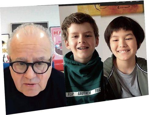 Wegen der Pandemie haben Ben und Leon, beide 11, per Videoanruf mit Fritz Keller, 63, gesprochen. Die beiden kommen aus Frankfurt am Main und sind gut miteinander befreundet. In ihrer Freizeit spielen sie neben Fußball auch Feldhockey