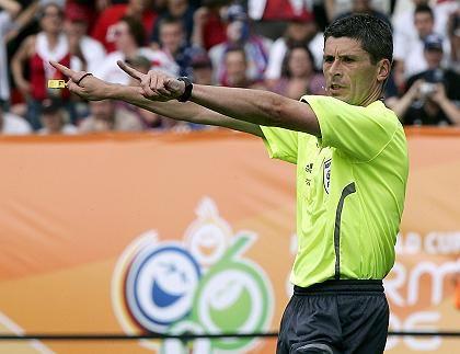 Schiedsrichter Merk: Bundesliga ohne Profi-Referees