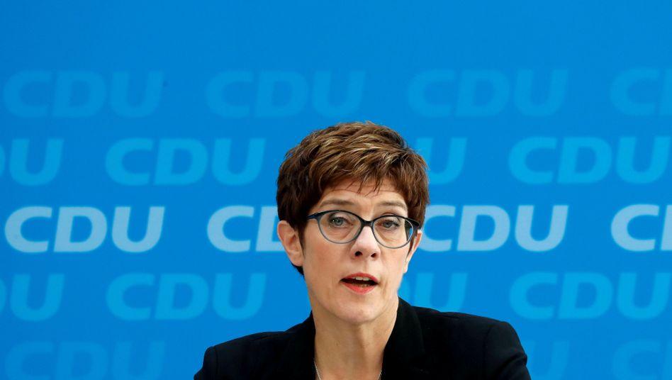 Annegret Kramp-Karrenbauer: CDU-Vorsitzende unter Druck