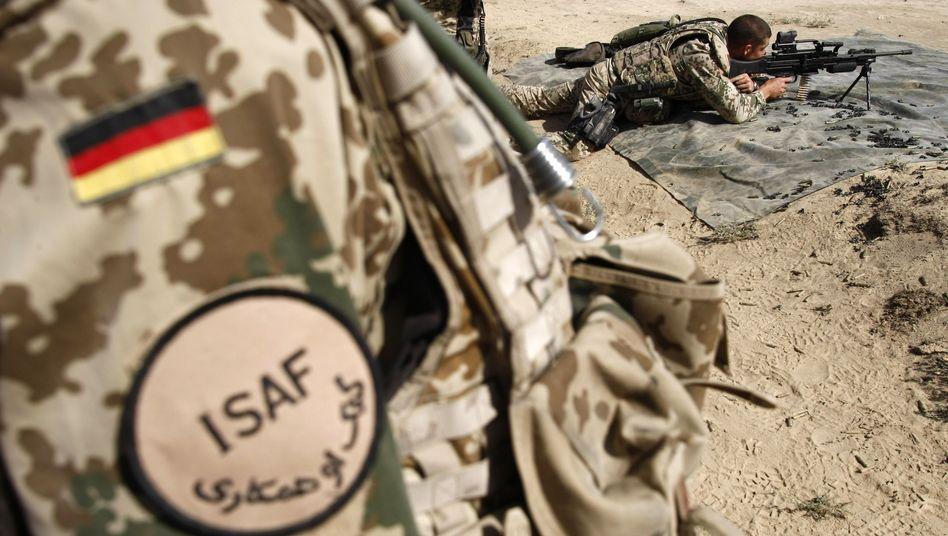 Bundeswehrsoldaten in Afghanistan (Archivbild): Heftige Gefechte mit den Taliban