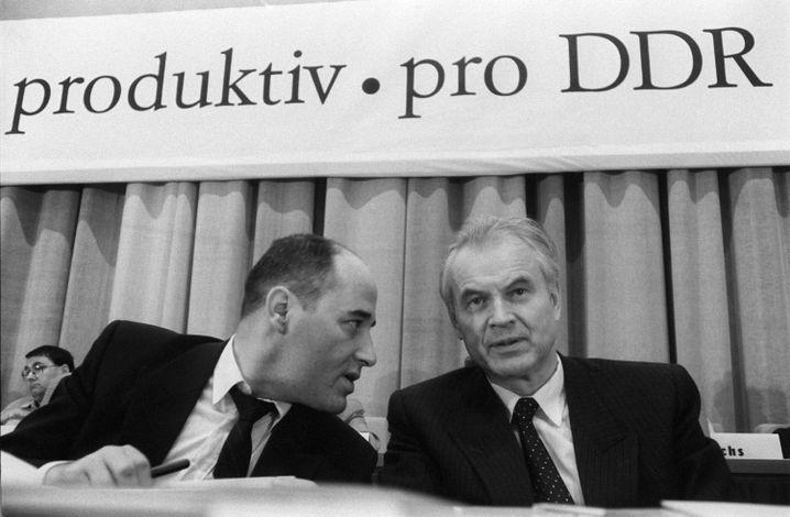 Gysi, Modrow (1990): Kontrolle über Parteischatz wahren